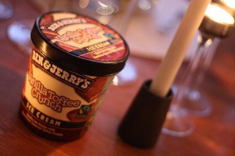 Ben & Jerry's Vanilla Toffee Crunch - Glasskoll.se Photo by Glassmannen
