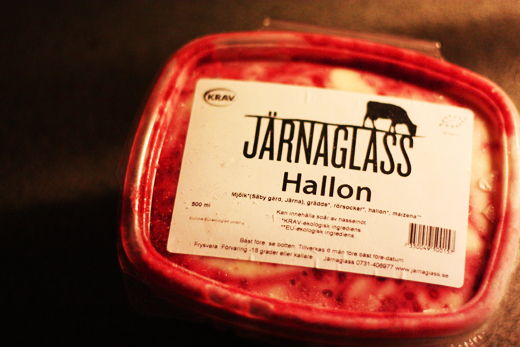 Järnaglass - Hallon, Glasskoll.se, Photo by Glassmannen